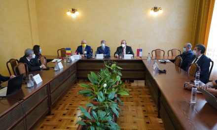 Universitatea din Craiova a iniţiat o colaborare cu Universitatea din Santiago pentru domeniile agrohorticole