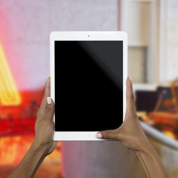 ISJ Brăila a lansat licitaţia publică pentru achiziţionarea a peste 2.400 de tablete  pentru uz şcolar