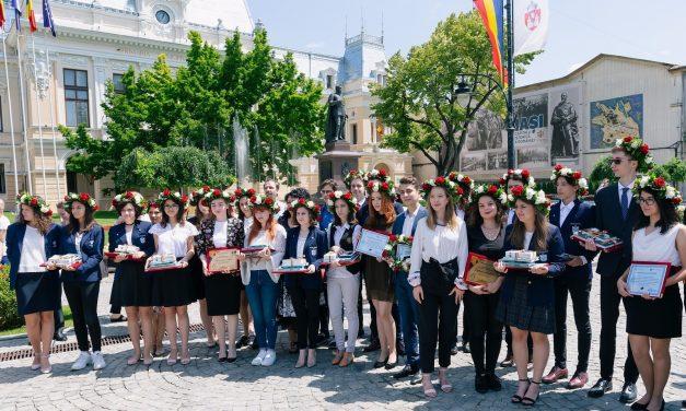 Municipalitatea ieşeană premiază elevi de 10 de la Evaluarea Naţională şi Bacalaureat