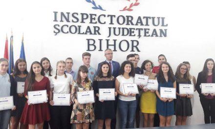 11 elevi din Bihor cu medii de 10 la Evaluarea Naţională şi Bacalaureat, premiaţi de Ministerul Educaţiei