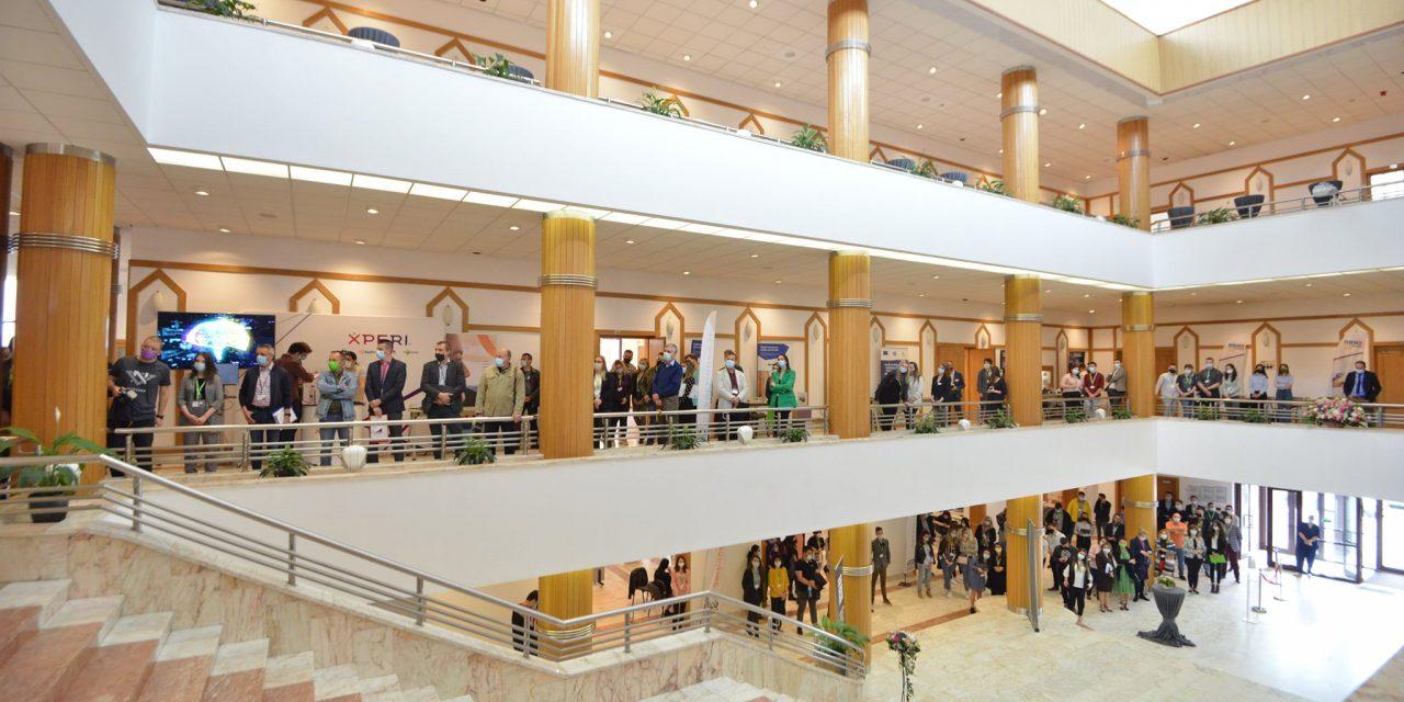 Aproximativ 300 de studenţi ai Universităţii Transilvania şi-au prezentat proiectele în faţa a 15 companii la AFCO