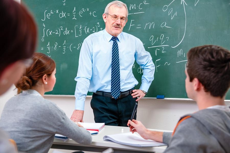Proiect adoptat în Senat: Norma didactică de predare-învăţare-evaluare se poate reduce cu două ore săptămânal
