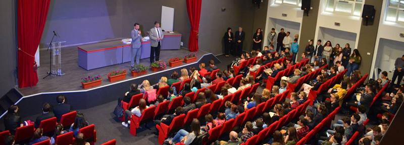 433 de elevi și profesori premiați la Gala Excelenței în Educație de la Roman