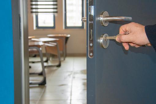 Şeful ISJ Brăila a propus ca pe o perioadă de două săptămâni să se închidă toate şcolile din municipiu