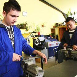 Peste 100 de elevi din 5 unităţi şcolare vor fi incluşi în învăţământul dual, în municipiul Iaşi