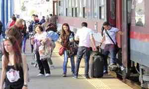 ANOSR solicită oprirea demersurilor care limitează drepturile studenţilor privind bursele şi transportul gratuit cu trenul