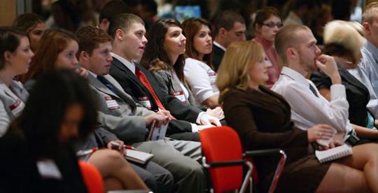 Municipiul Sfântu Gheorghe găzduieşte cea mai mare competiţie naţională de dezbateri academice pentru liceeni