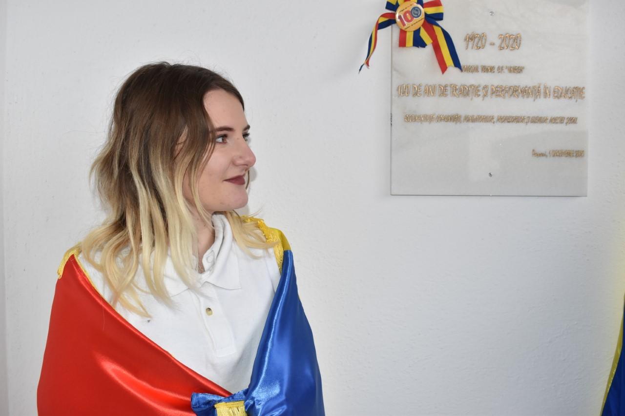 1 Decembrie 2020 – o sărbătoare în trei dimensiuni la Colegiul Unirea din Pașcani