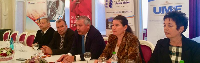 Rectorii UMF şi UPM Târgu Mureş anunţă că cele două universităţi s-ar putea uni pe viitor