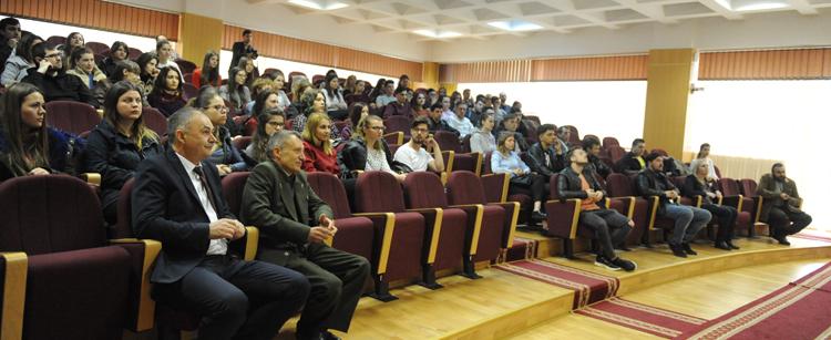 """Workshop """"Creştem împreună!"""" la Universitatea """"Vasile Alecsandri"""" din Bacău"""