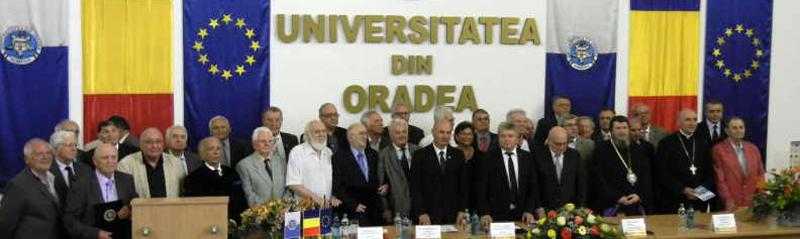 """37 de persoane au primit, în premieră, titlul onorific """"Profesor emerit"""" din partea Universităţii Oradea"""