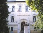 """Universitatea """"Petru Maior"""" din Tîrgu-Mureş premiază excelenţa în educaţie"""