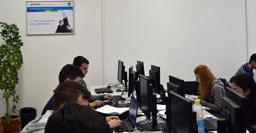 World Vision România și HP oferă acces la educație digitală pentru 578 de elevi din județul Dolj