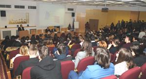 """Simpozion la Universitatea """"Vasile Alecsandri"""" Bacău: """"Decembrie 1989. Imaginea şi realitate istorică după un sfert de veac"""""""