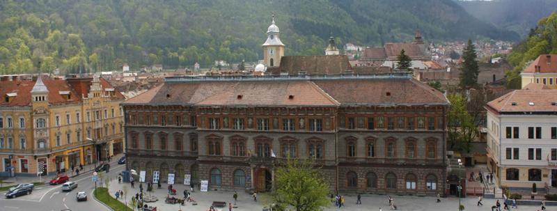 Profesori de la Universitatea Transilvania din Braşov vor pregăti gratuit, din martie, liceenii pentru bacalaureat