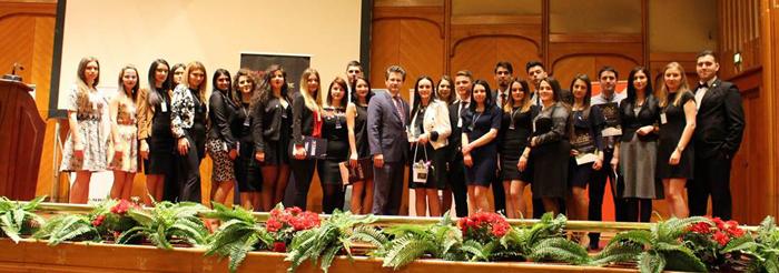 Elevi şi studenţi cu rezultate deosebite au fost premiaţi la o gală organizată de UNSR