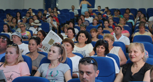 """150 de basarabeni, în vizită la Universitatea de Vest """"Vasile Goldiş"""" din Arad"""