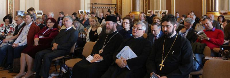 """""""Candela Marii Uniri"""", aprinsă la Arad cu ocazia desfăşurării Congresului Internațional de Istorie a Presei"""