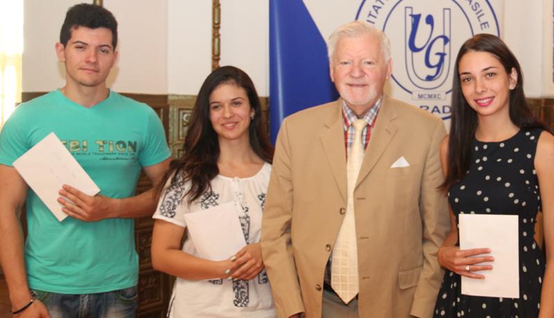 Burse pentru studenţi şi cadre didactice acordate de Fundaţia pentru Medicină Celulară şi Moleculară din România