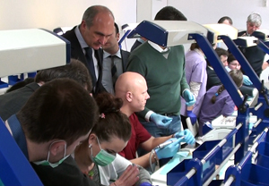 """Workshop internaţional """"Implantologia Predictibilă"""", în organizarea Facultăţii de Medicină Dentară a Universităţii de Vest """"Vasile Goldiş"""""""