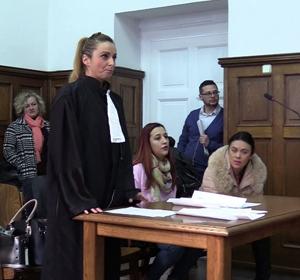 Studenţii Facultăţii de Ştiinţe Juridice a UVVG au îmbrăcat roba de judecător, procuror şi avocat